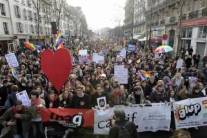 2013-01-27T164742Z_1_APAE90Q1ANL00_RTROPTP_3_OFRTP-FRANCE-HOMOSEXUELS-20130127