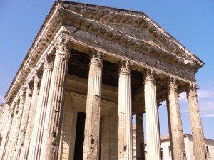 vienne-temple-d-auguste-et-de-livie