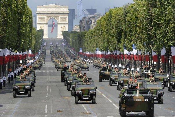 147665_le-defile-militaire-du-14-juillet-sur-les-champs-elysees-a-paris-le-14-juillet-2011