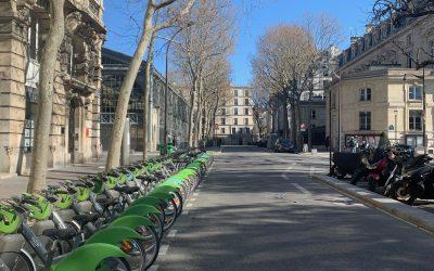 3 Videos of Empty Quarantine Paris