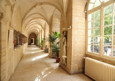 hotellerie-saint-yves-couloir
