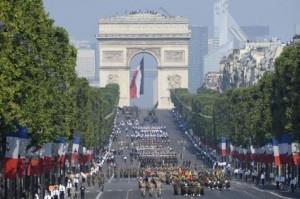 535613-des-militaires-maliens-descendent-les-champs-elysees-le-14-juillet-2013-a-paris